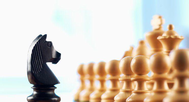 كيف يمكن تحريك الحصان في الشطرنج مرورًا بكل مربع من دون المرور بنفس المربع مرتين؟