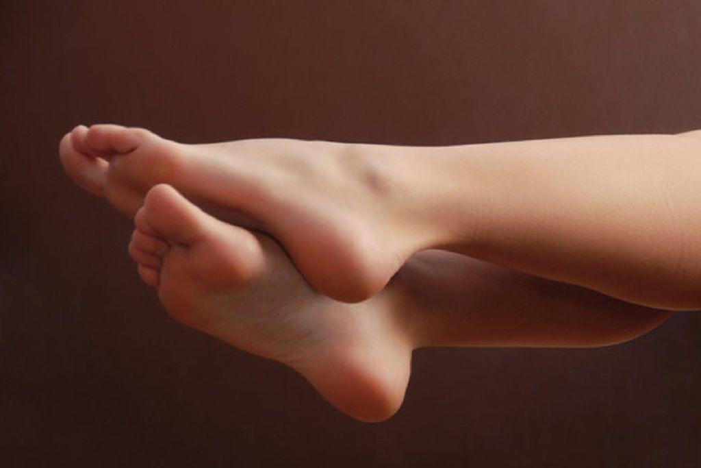 لماذا يثار البعض جنسيًا تجاه الأقدام؟