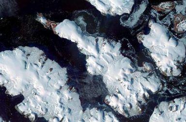 اكتشاف خمس جزر جديدة في روسيا ذوبان الجليد المتسارع الناتج عن التغير المناخي المياه المتجمدة في السواحل الروسية ما سبب ظهور الجزر