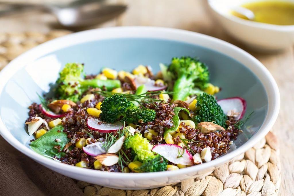 يتعين على النظام الغذائي الذي يقي من التهابات المعدة على البروكلي وزيت الزيتون