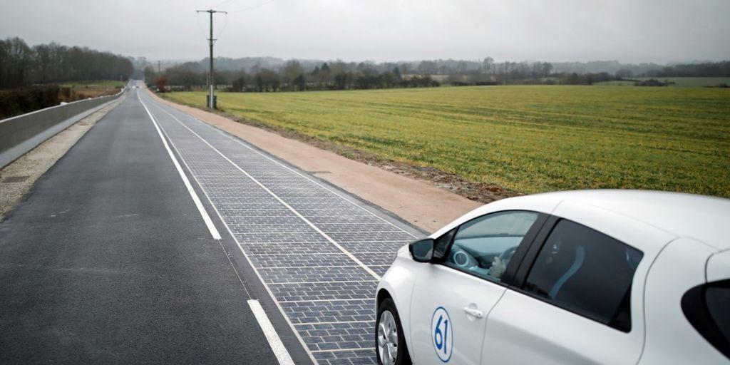 أول طريق للطاقة الشمسية في العالم ينهار رسميًا في فشل تام بديل السيارات التي تعمل على الطاقة الشمسية طريق مصنوع من الألواح الشمسية