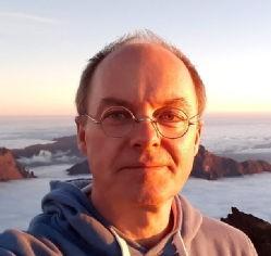 بوريس غينسك، بروفيسور الفيزياء في جامعة وورويك