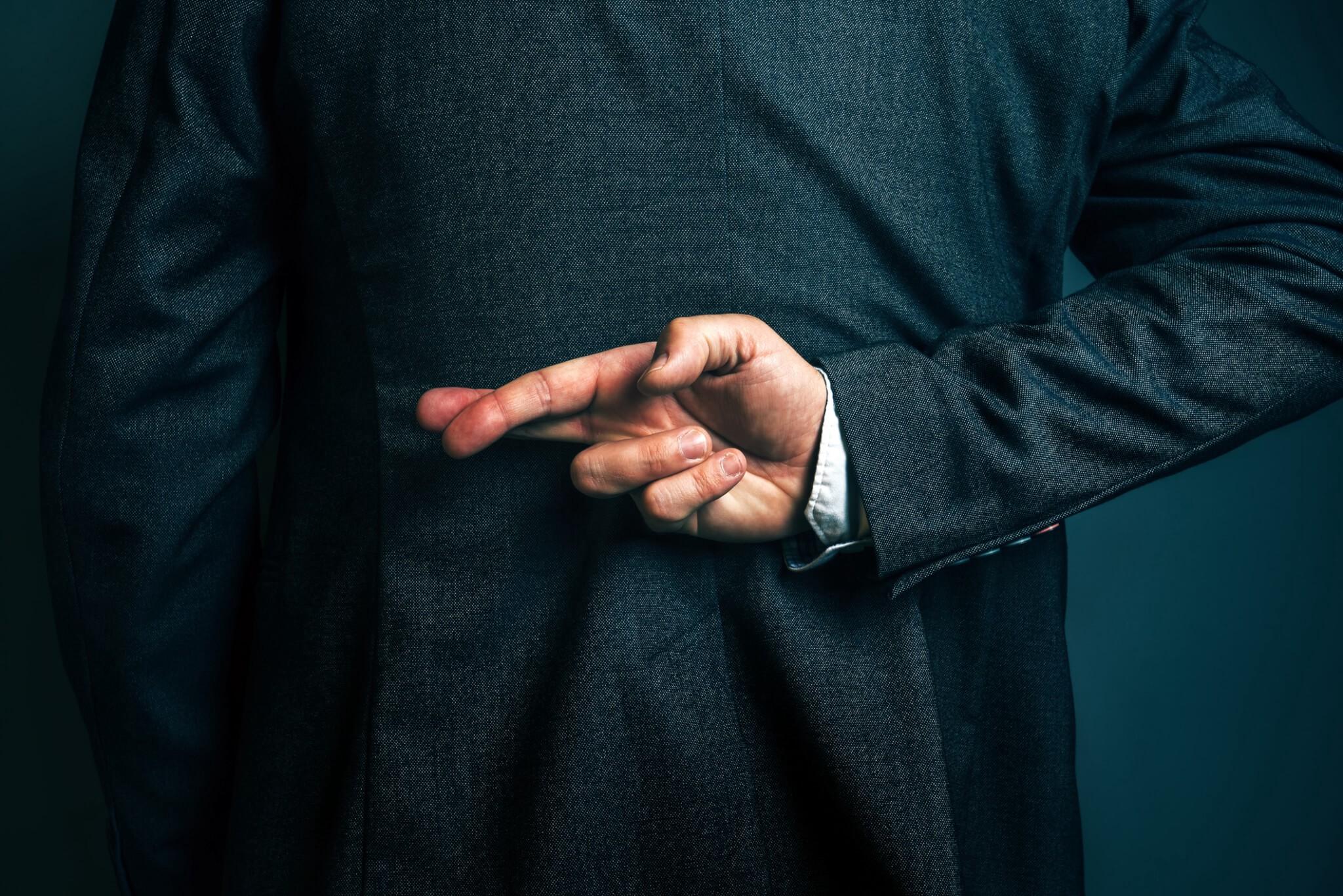 لماذا يكذب بعض الناس أكثر من اللازم؟ - الحوارات الاجتماعية عديمة الفائدة - نقص في تقدير الذات - ارتباط عدد الكذبات التي يرويها المرء بموقفه من عدم الأمانة