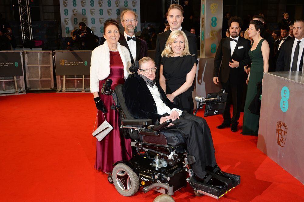زوجة ستيفن هوكينغ الأولى تنسف فيلم سيرته الذاتية نظرية كل شيء