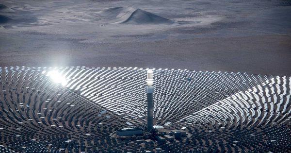 هل يمكن أن نحصل على طاقةٍ شمسيةٍ على مدار 24 ساعة؟