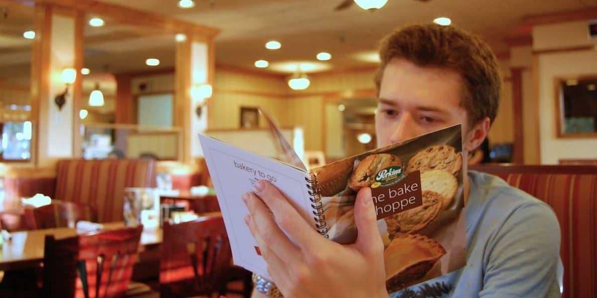 ثماني خدع نفسية في لوائح الطعام لدى المطاعم