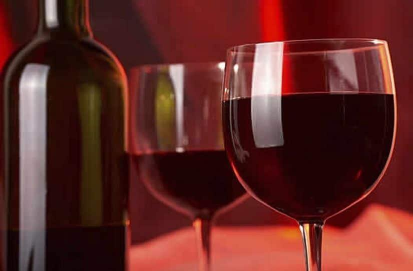 النبيذ الأحمر قاتل للبكتيريا المسببة لتسوس الأسنان
