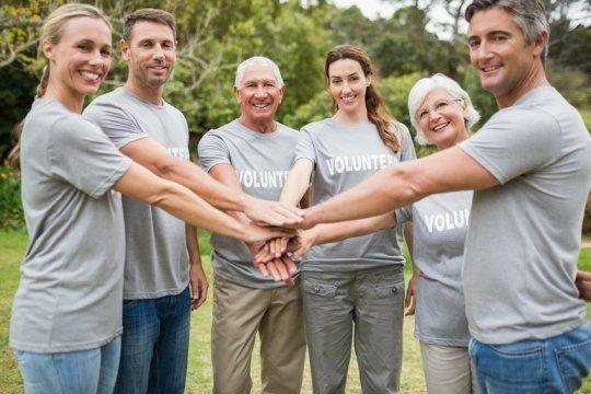 لماذا يعيش المتطوعون حياة اكثر صحة من غير المتطوعين ؟