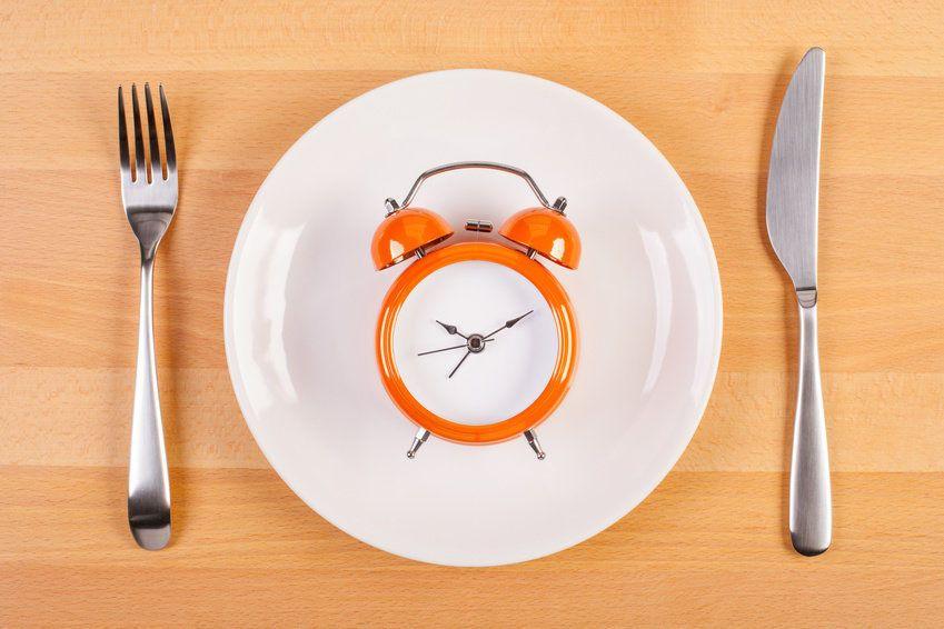 أسلوب من الصيام لتقليل الوزن وخفض ضغط الدم لدى الأشخاص الذين يعانون من السمنة