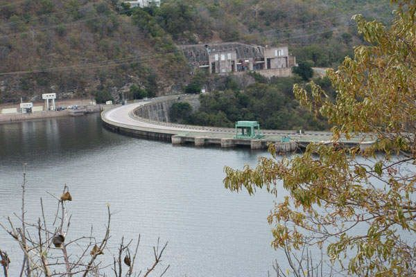 أكبر عشرة سدود في العالم أكبر سد على وجه الأرض توليد الطاقة الكهرومائية في السدود السد الأكبر في العالم سد أسوان العالي سد غوري