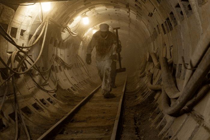 الحقيقة والخرافة في مسلسل تشيرنوبل مجموعة من الحقائق والخرافات التي شهدناها في مسلسل تشرنوبل كارثة المفاعل النووي الإنفجار الإشعاع