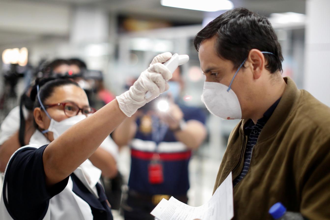 إجراءات مكافحة فيروس كورونا لها ما يبررها: إبطاء الجائحة قد يُنقذ ملايين الأرواح - لقاحات أو أدوية ناجعة لعلاج المصابين بفيروس كورونا الجديد كوفيد-19