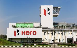 معمل حديقة Hero MotoCorp في الهند. وفق ويليام ماكوندو وشركاءه.