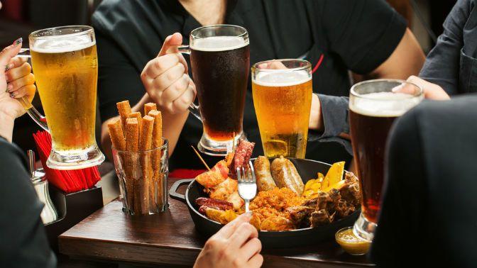 ما الذي يسبب الإسهال بعد شرب الكحول؟