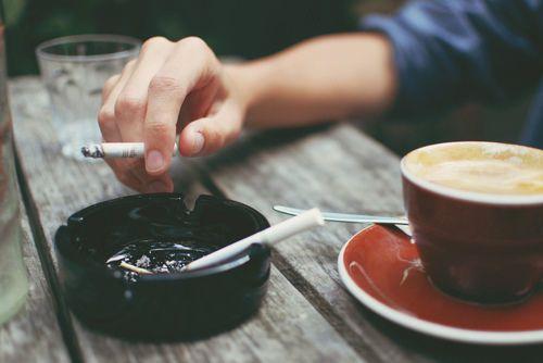 هل يحميك التدخين و شرب القهوة من الاصابة بداء باركنسون ؟