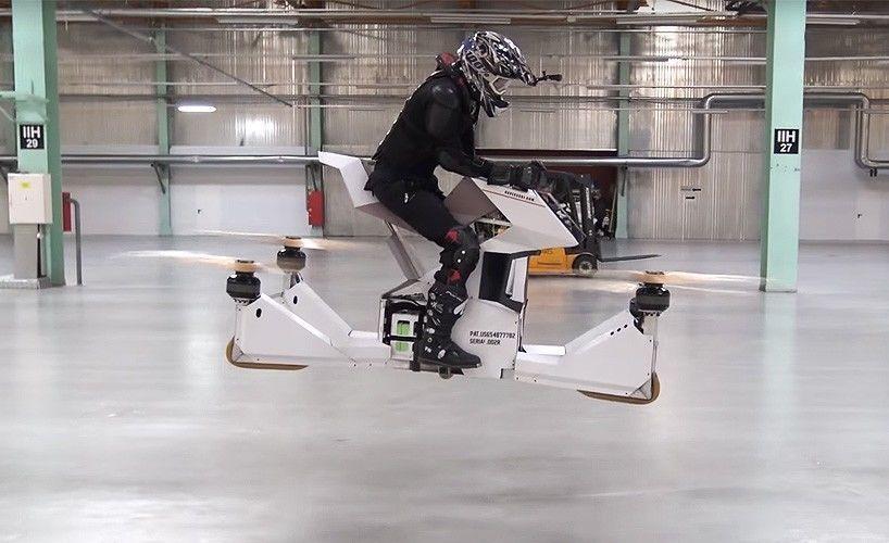 تعرف على سكوربيون-٣، الدراجة الطائرة وهي تنساب من خلال الهواء