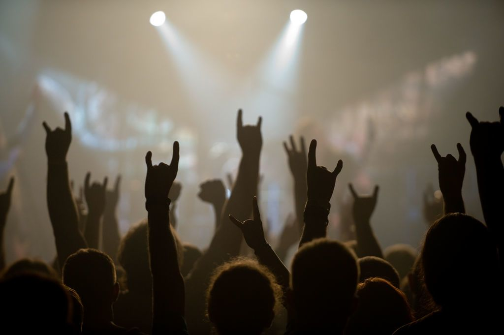 هل تريد سلامًا عالميًا؟ لنلق نظرة على عالم موسيقى الميتال