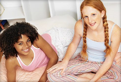 informs-teen-girls-about-health-photos