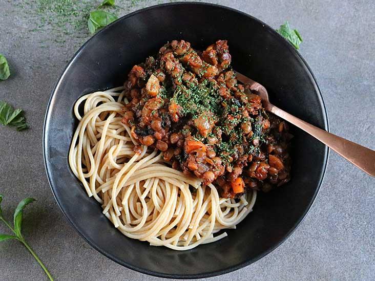 أطعمة تساعد على تخفيف أعراض داء كرون