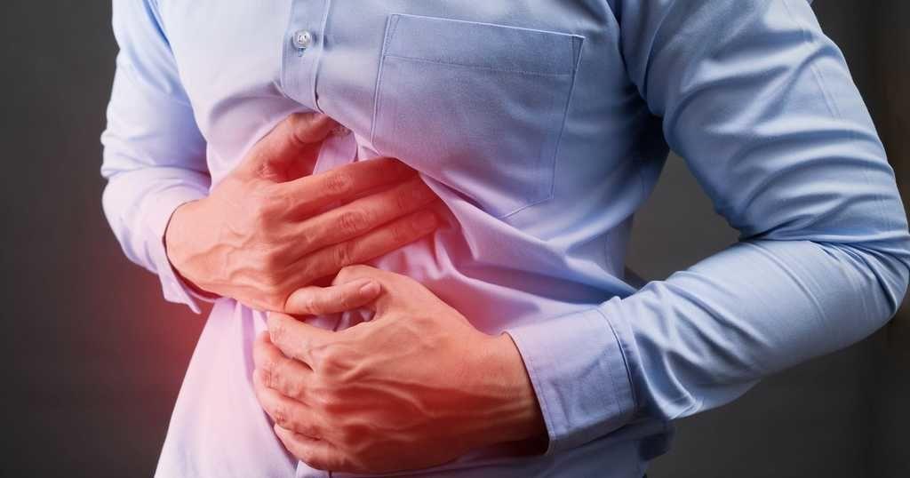 القرحة الهضمية Stomach (Peptic) Ulcers الأسباب والأعراض والتشخيص والعلاج التهابات مؤلمة أو تقرحات في بطانة المعدة السائل الهضمي