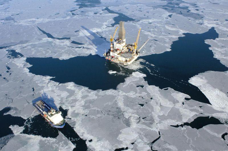 من يملك القطب الشمالي ؟