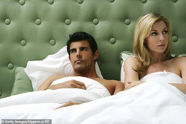كيف تُصارح شريكك بعدم رغبتك في ممارسة الجنس العلاقتين العاطفية والجنسية الارتباط العاطفي والارتباط الجنسي بين الشريكين الرغبة الجنسية