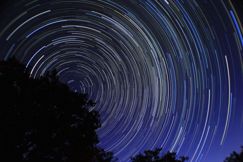 هل للوقت وجود عند سرعة الضوء؟