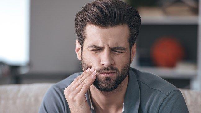 ألم الأسنان: الأسباب والأعراض والتشخيص والعلاج