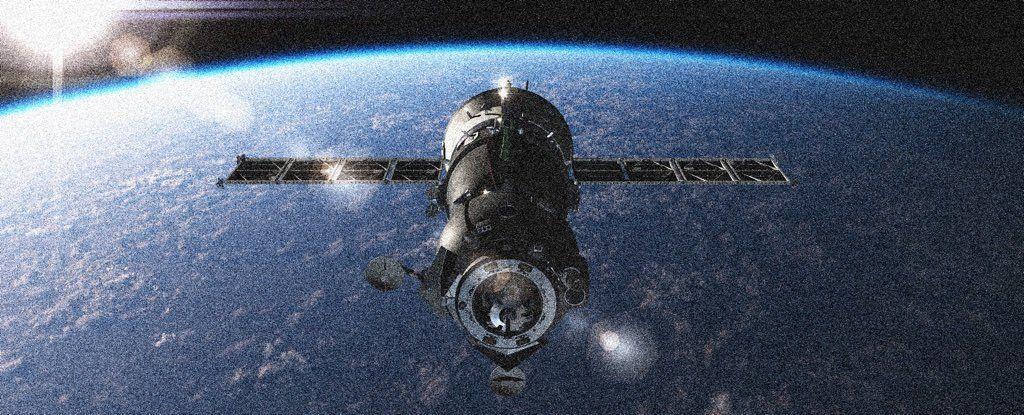 سلوك شاذ من قمر صناعي روسي يشعل المخاوف: هل هو سلاح فضائي؟