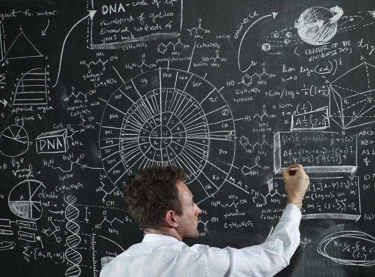 """""""الان"""" اي مما يلي يمكن ان يفسر حدثا في العالم الطبيعي    الحل"""