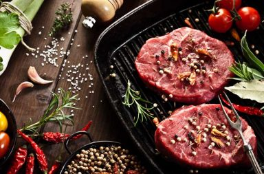 ما الفرق بين البروتين النباتي والحيواني - النظام الغذائي - إذ يساعد على بناء تراكيب الجسم وإصلاحها والحفاظ عليها - التوازن الصحيح للأحماض الأمينية