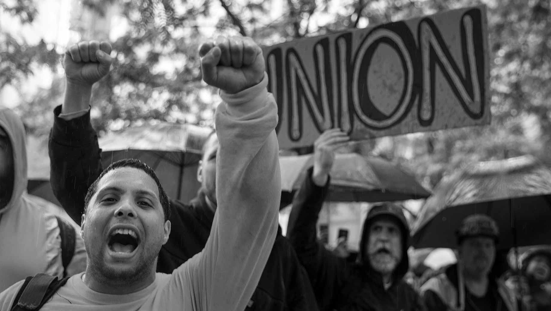 اتحاد العمال: ما ماهيته وما هي أهدافه؟ - منظمة تمثل المصالح الجماعية للموظفين - التفاوض مع أرباب العمل بخصوص الأجور والساعات