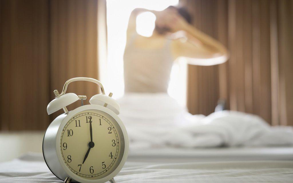 لست بومة الليل ولا عصفور الصباح؟ هناك نوعان آخران من أنماط النوم