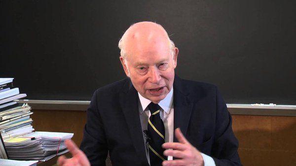 ستيفن واينبرج يُرشّح 13 كتابًا علميًا للقارئ العام