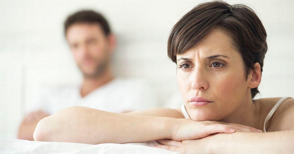 لماذا يشعر الرجال بالكآبة بعد الجماع؟ سببٌ محتملٌ للقلق بعد الجنس