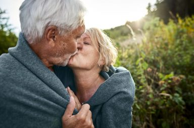 هل يؤخر النشاط الجنسي انقطاع الطمث عند النساء؟ - حدوث انقطاع الطمث في مرحلة مبكرة من حياتهن - الجماع أو ممارسة الجنس الفموي أو مجرد التلامس