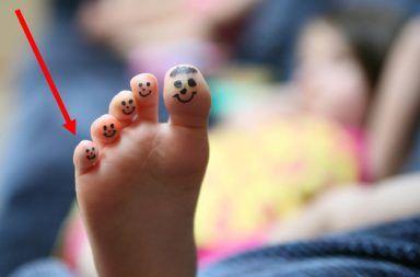 الخنصر أصبع القدم