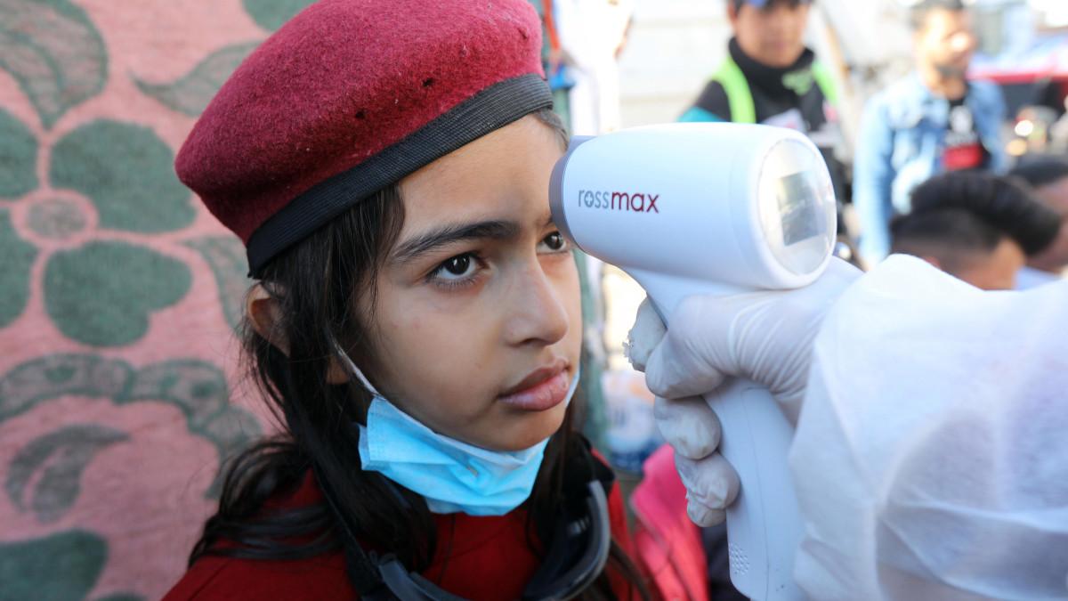 لماذا الأطفال أقل عرضة للإصابة بفيروس كورونا - عدد الصغار المصابين بفيروس كورونا - الاستجابة المناعية الفطرية لدى الأطفال