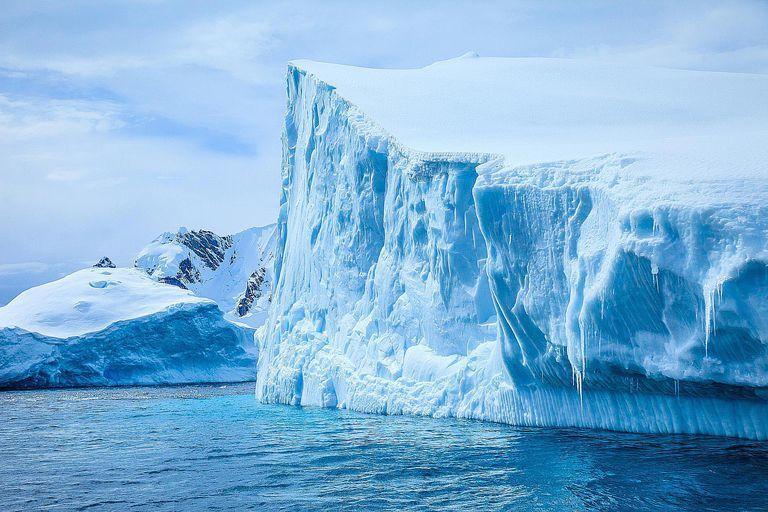 لماذا تحدث العصور الجليدية ذروة العصر الجليدي المنصرم نطاق تاريخ الأرض الجيولوجي الحديث التغير المناخي قد يؤدي إلى إيقاف دورة حياة النظام بشكل دائم
