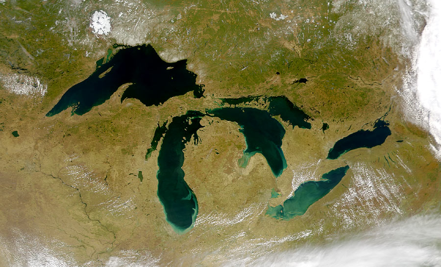 كم عدد البحيرات على الأرض؟
