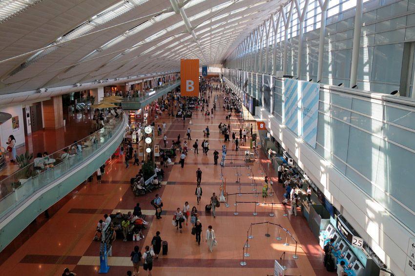 أكبر اثني عشر مطار في العالم أكبر المطارات في العالم عدد المسافرين في العام الواحد من المطار خطوط دلتا الجوية شركات الطيران