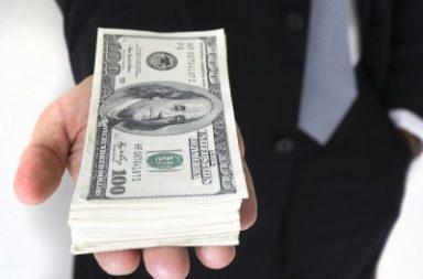 الوهم النقدي - نظرية اقتصادية تُعبر عن ميل الناس إلى التعامل مع دخلهم وثروتهم بالقيمة الإسمية لا الحقيقية للعملة - الوهم السعري price illusion
