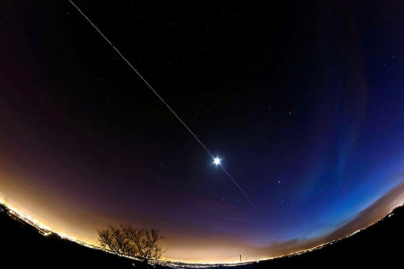 هل تريد أن تُحدّد موقع محطة الفضاء الدوليّة من منزلك؟ إذن فلتضع التلسكوب جانبًا، إنها مرئيّة!
