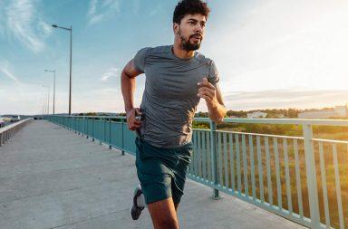في أكبر دراسة من نوعها: عليك الجري لهذه المسافة كي تطيل عمرك المجلة البريطانية للطب الرياضي BJSM خطر الإصابة بارتفاع ضغط الدم والسمنة والسكري