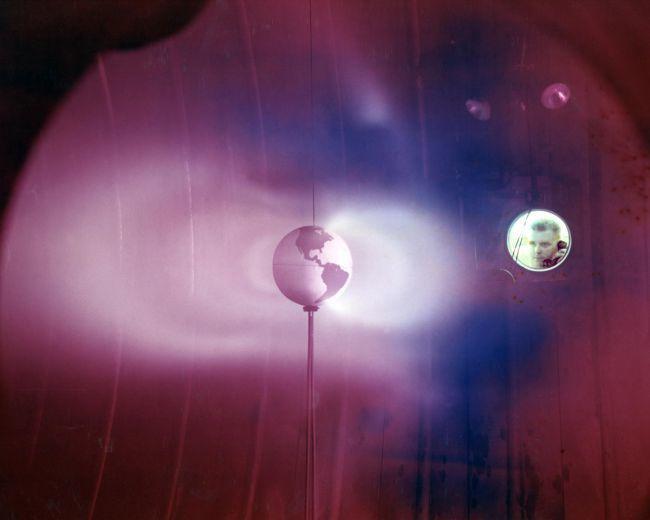 ما هي أحزمة فان آلين الإشعاعية جسيمات مشحونة عالية الطاقة الغلاف المغناطيسي لكوكب الأرض اأحزمة الإشعاعية حول الأرض الفضاء