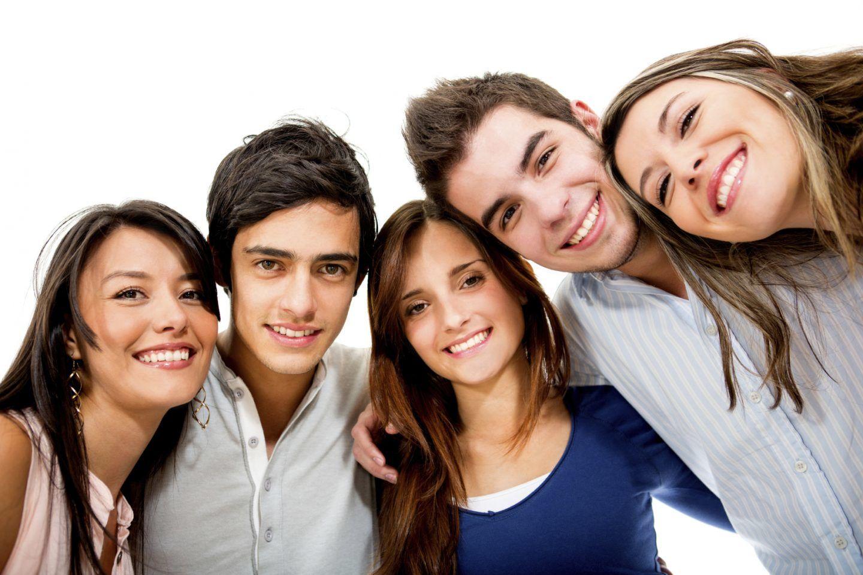البلوغ الجنسي: ما هي العوامل المؤثرة به والمخاطر التي يواجهها المراهقون خلاله؟