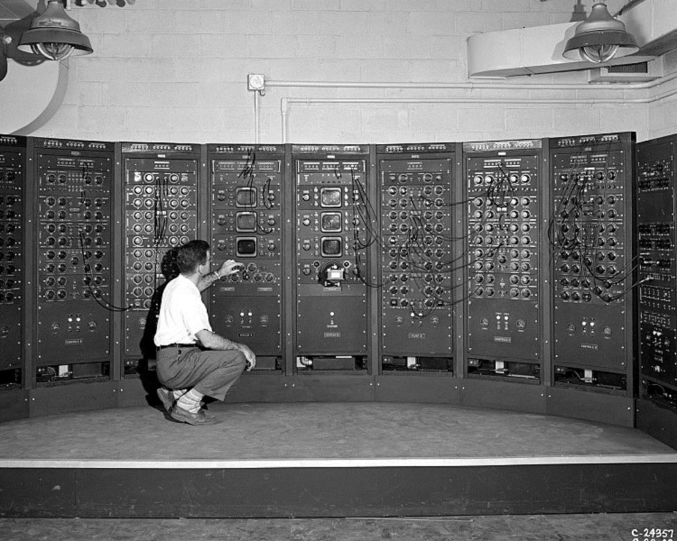الحواسيب التماثلية