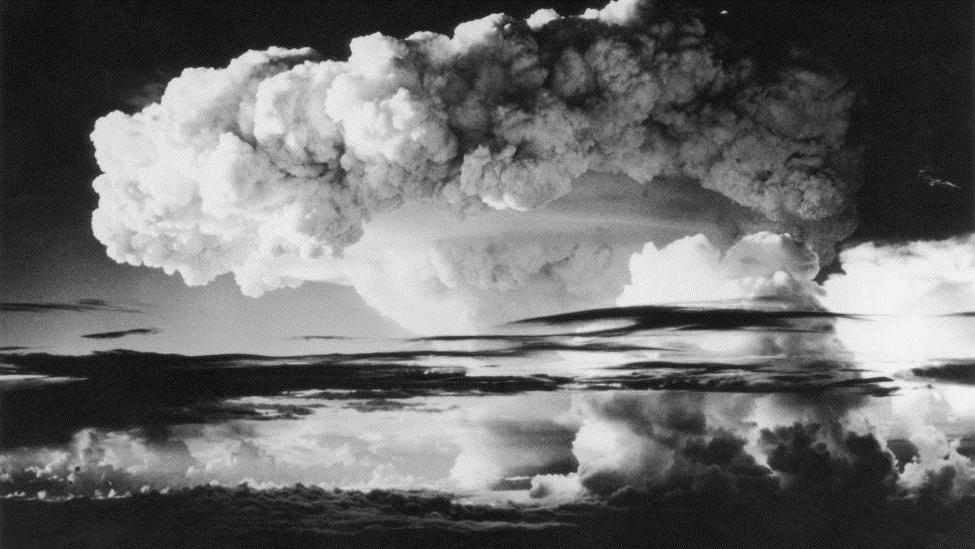 اختبار القنبلة الهيدروجينية في إنيوتوك أتول في المحيط الهادي، 1 أبريل 1954