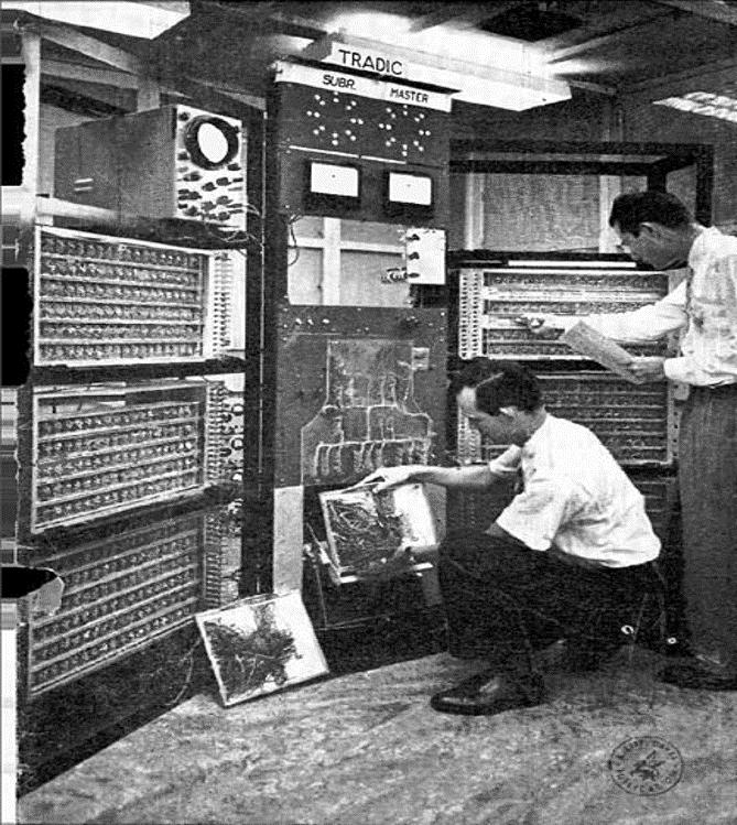 الحواسيب الترانزستورية الرقمية