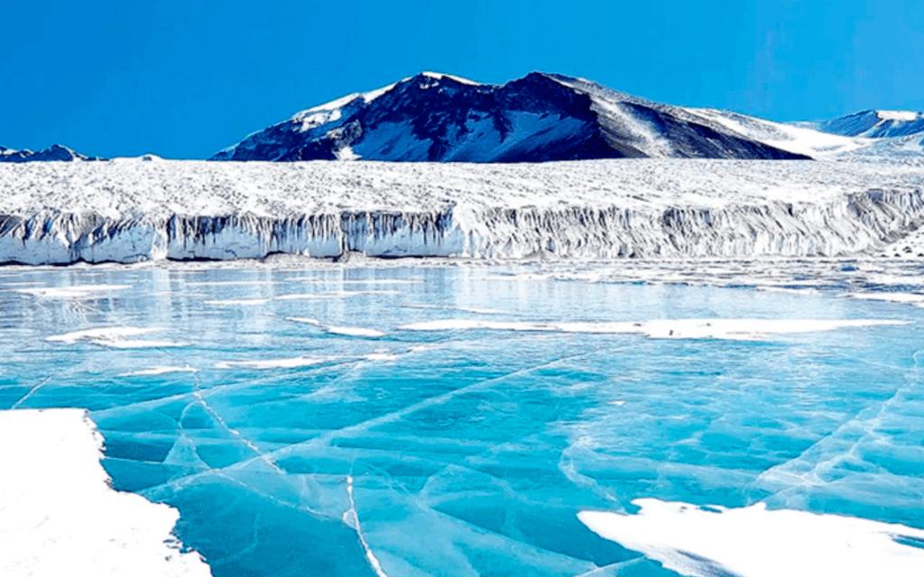 فوستوك،بحيرة تحت الجليد